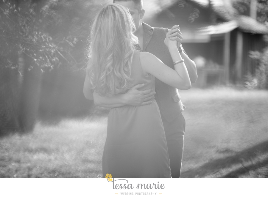 country_field_engaegment_pictures_atlanta_wedding_photographer_willing_to_travel_019