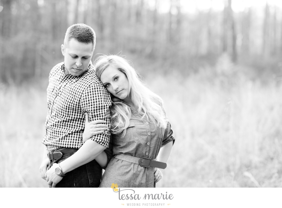 country_field_engaegment_pictures_atlanta_wedding_photographer_willing_to_travel_031
