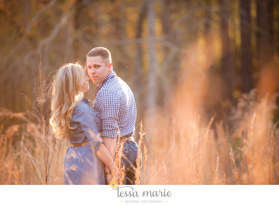 country_field_engaegment_pictures_atlanta_wedding_photographer_willing_to_travel_036