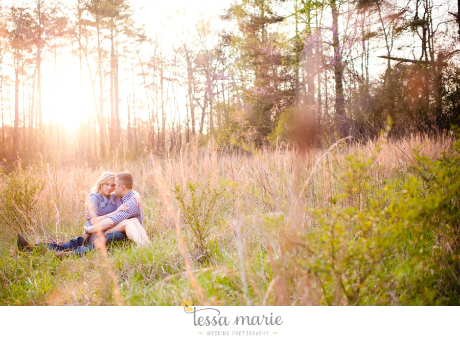 country_field_engaegment_pictures_atlanta_wedding_photographer_willing_to_travel_047