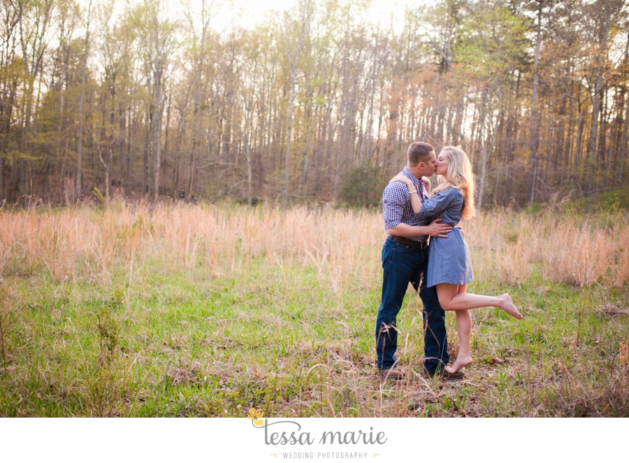 country_field_engaegment_pictures_atlanta_wedding_photographer_willing_to_travel_048