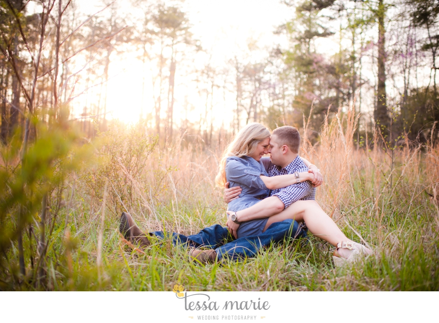 country_field_engaegment_pictures_atlanta_wedding_photographer_willing_to_travel_049