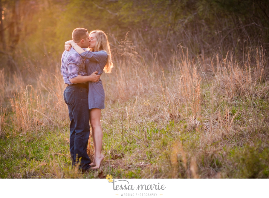 country_field_engaegment_pictures_atlanta_wedding_photographer_willing_to_travel_050