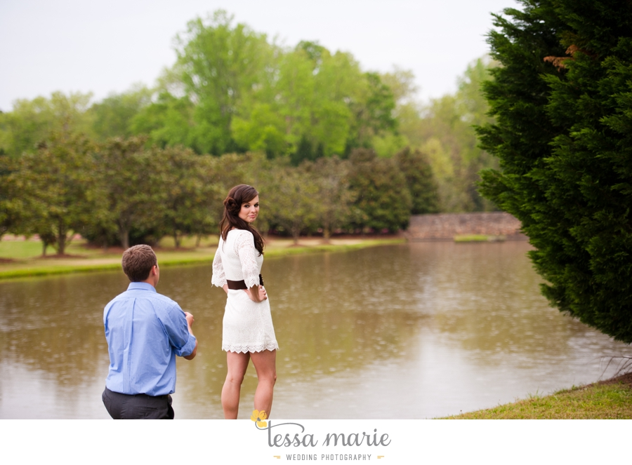 foxhall_sporting_club_proposal_engagement_pictures_atlanta_proposal_photographer_016