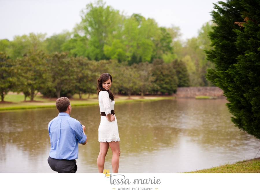 foxhall_sporting_club_proposal_engagement_pictures_atlanta_proposal_photographer_017