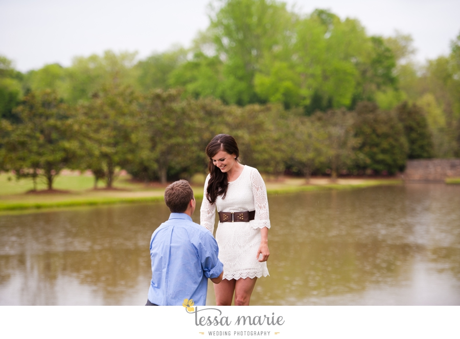 foxhall_sporting_club_proposal_engagement_pictures_atlanta_proposal_photographer_019
