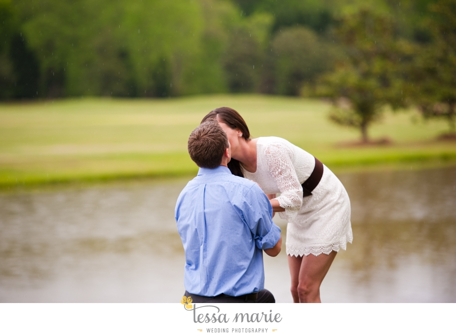 foxhall_sporting_club_proposal_engagement_pictures_atlanta_proposal_photographer_020