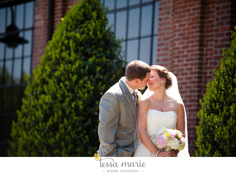 river_mill_event_Centre_columbus_ga_outdoor_Wedding_pictures_tessa_marie_weddings_036