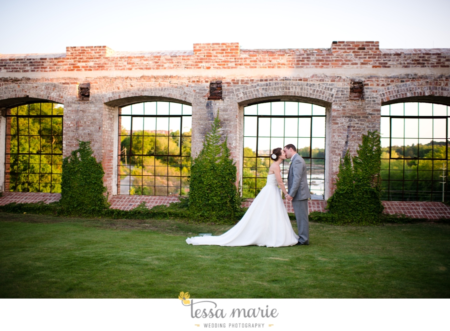river_mill_event_Centre_columbus_ga_outdoor_Wedding_pictures_tessa_marie_weddings_098