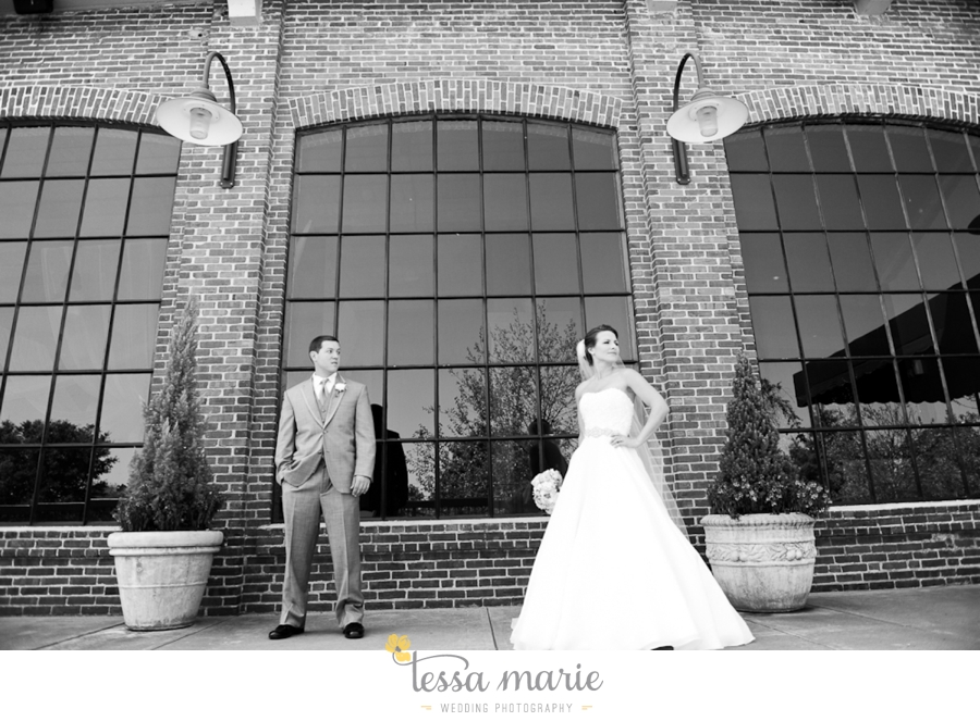 river_mill_event_center_colombus_ga_wedding_outdoor_wedding_pictures-12