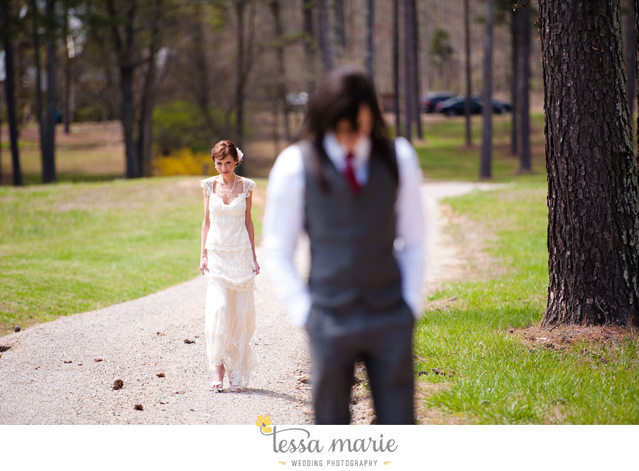 the_farm_wedding_outdoor_ceremony_creative_candid_emotional_wedding_pictures_beautiful_natural_light_030