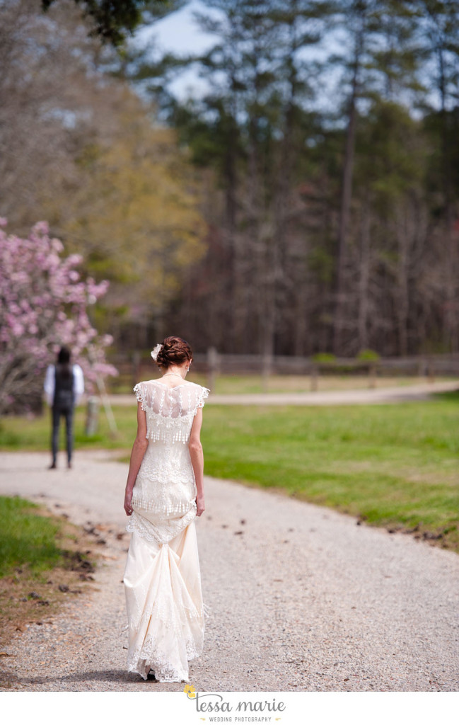 the_farm_wedding_outdoor_ceremony_creative_candid_emotional_wedding_pictures_beautiful_natural_light_031