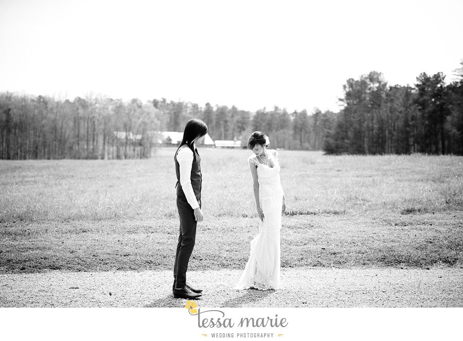 the_farm_wedding_outdoor_ceremony_creative_candid_emotional_wedding_pictures_beautiful_natural_light_035