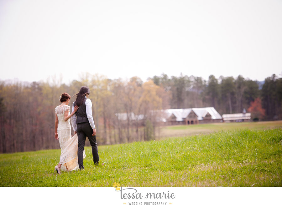the_farm_wedding_outdoor_ceremony_creative_candid_emotional_wedding_pictures_beautiful_natural_light_041