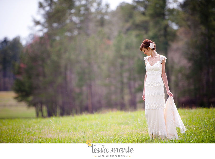 the_farm_wedding_outdoor_ceremony_creative_candid_emotional_wedding_pictures_beautiful_natural_light_050