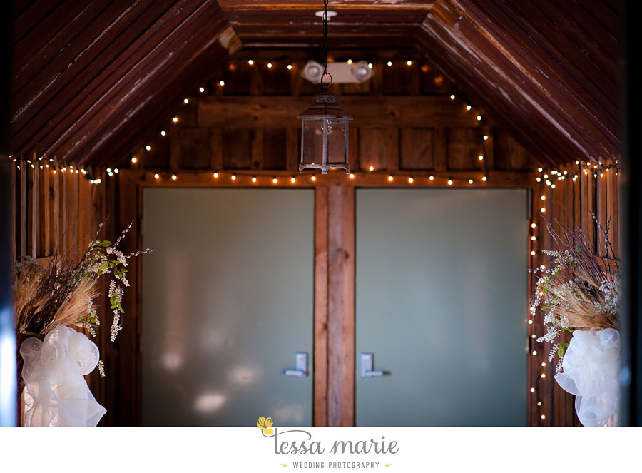 the_farm_wedding_outdoor_ceremony_creative_candid_emotional_wedding_pictures_beautiful_natural_light_065