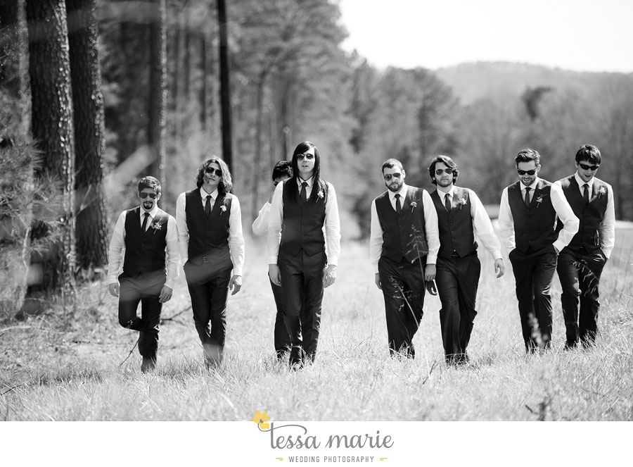 the_farm_wedding_outdoor_ceremony_creative_candid_emotional_wedding_pictures_beautiful_natural_light_071