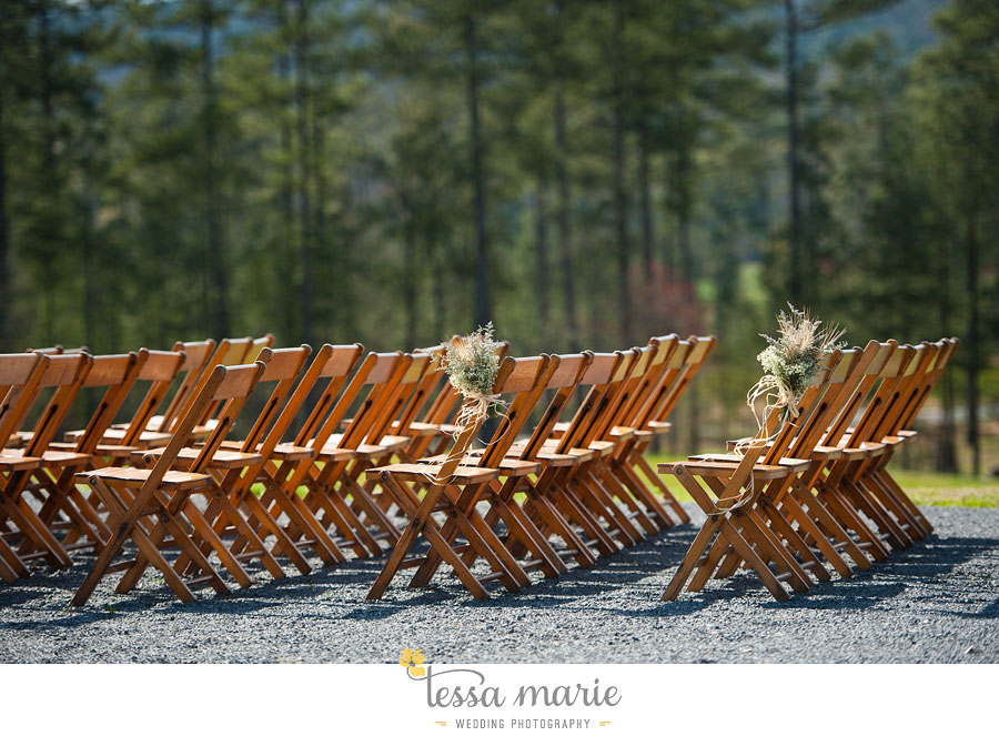 the_farm_wedding_outdoor_ceremony_creative_candid_emotional_wedding_pictures_beautiful_natural_light_091