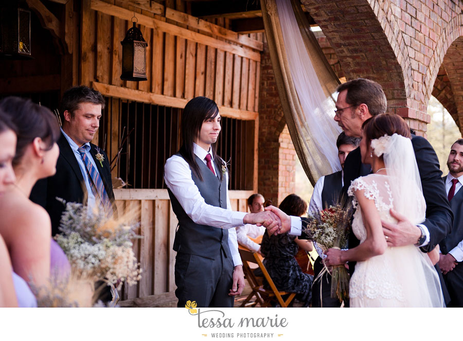 the_farm_wedding_outdoor_ceremony_creative_candid_emotional_wedding_pictures_beautiful_natural_light_101