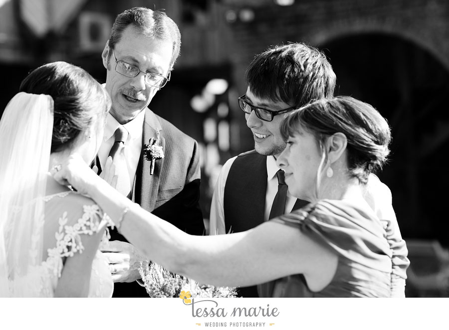 the_farm_wedding_outdoor_ceremony_creative_candid_emotional_wedding_pictures_beautiful_natural_light_116
