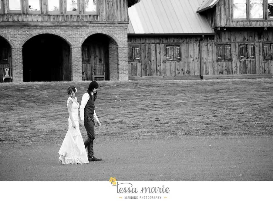 the_farm_wedding_outdoor_ceremony_creative_candid_emotional_wedding_pictures_beautiful_natural_light_138