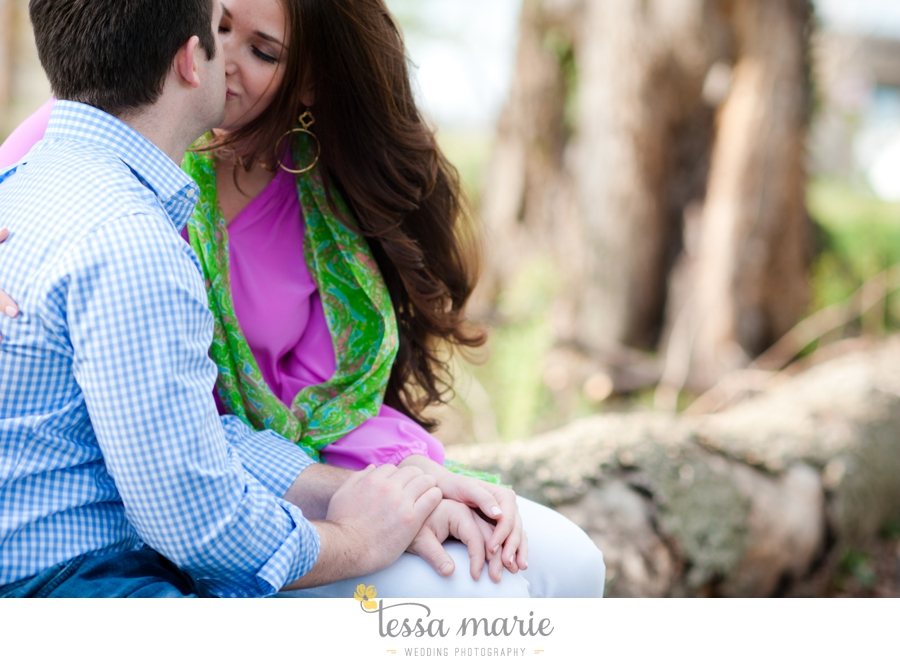 west_side_engagement_session_creative_candid_emotional_engagement_pictures_090