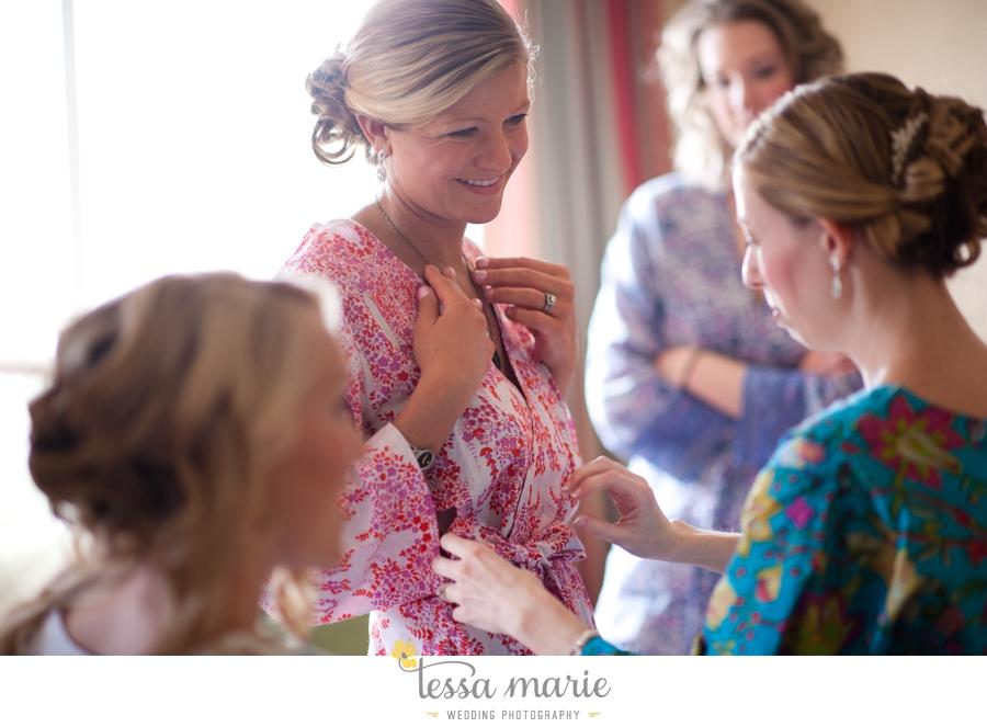 Ivy_hall_outdoor_wedding_creative_candid_emotional_wedding_pictures_tessa_marie_weddings_005