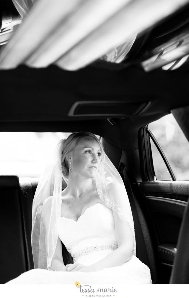Ivy_hall_outdoor_wedding_creative_candid_emotional_wedding_pictures_tessa_marie_weddings_014