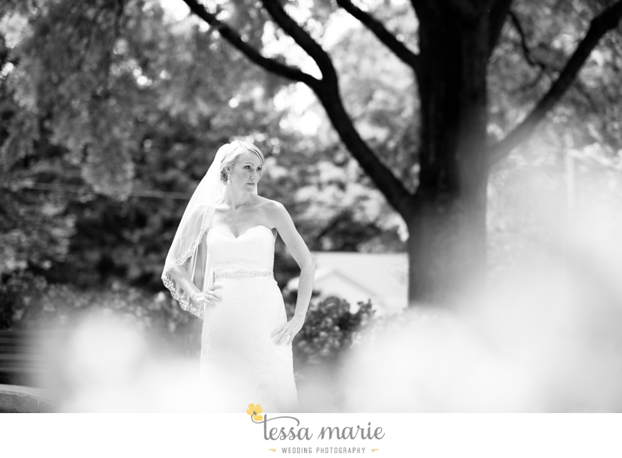 Ivy_hall_outdoor_wedding_creative_candid_emotional_wedding_pictures_tessa_marie_weddings_017