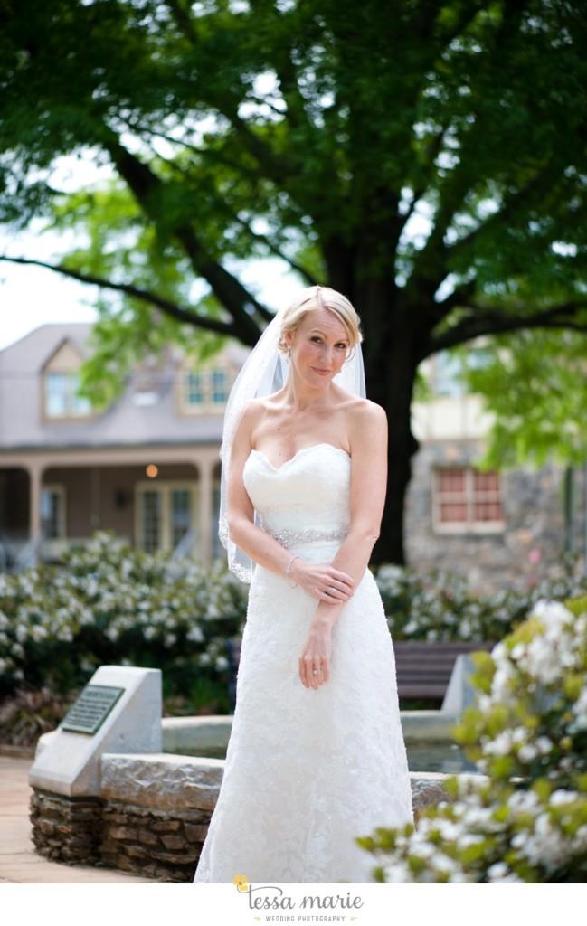 Ivy_hall_outdoor_wedding_creative_candid_emotional_wedding_pictures_tessa_marie_weddings_018