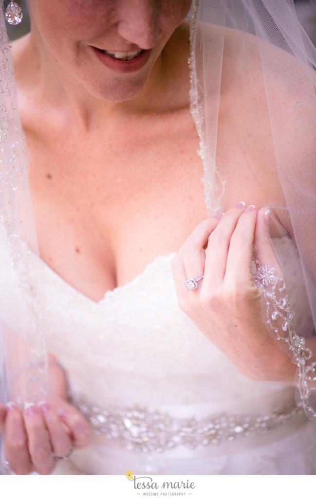Ivy_hall_outdoor_wedding_creative_candid_emotional_wedding_pictures_tessa_marie_weddings_020
