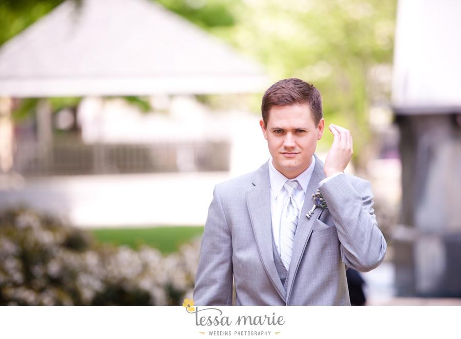 Ivy_hall_outdoor_wedding_creative_candid_emotional_wedding_pictures_tessa_marie_weddings_021