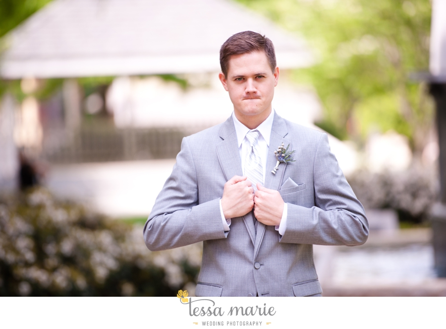 Ivy_hall_outdoor_wedding_creative_candid_emotional_wedding_pictures_tessa_marie_weddings_022