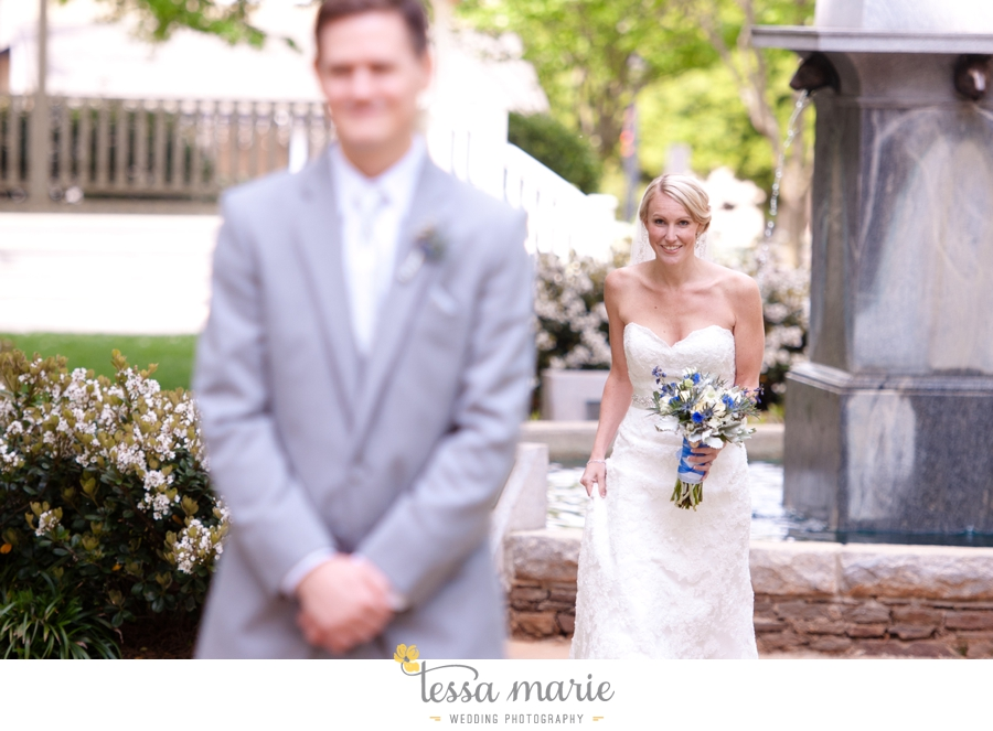 Ivy_hall_outdoor_wedding_creative_candid_emotional_wedding_pictures_tessa_marie_weddings_024