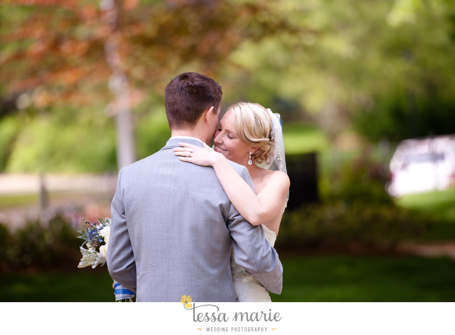 Ivy_hall_outdoor_wedding_creative_candid_emotional_wedding_pictures_tessa_marie_weddings_027