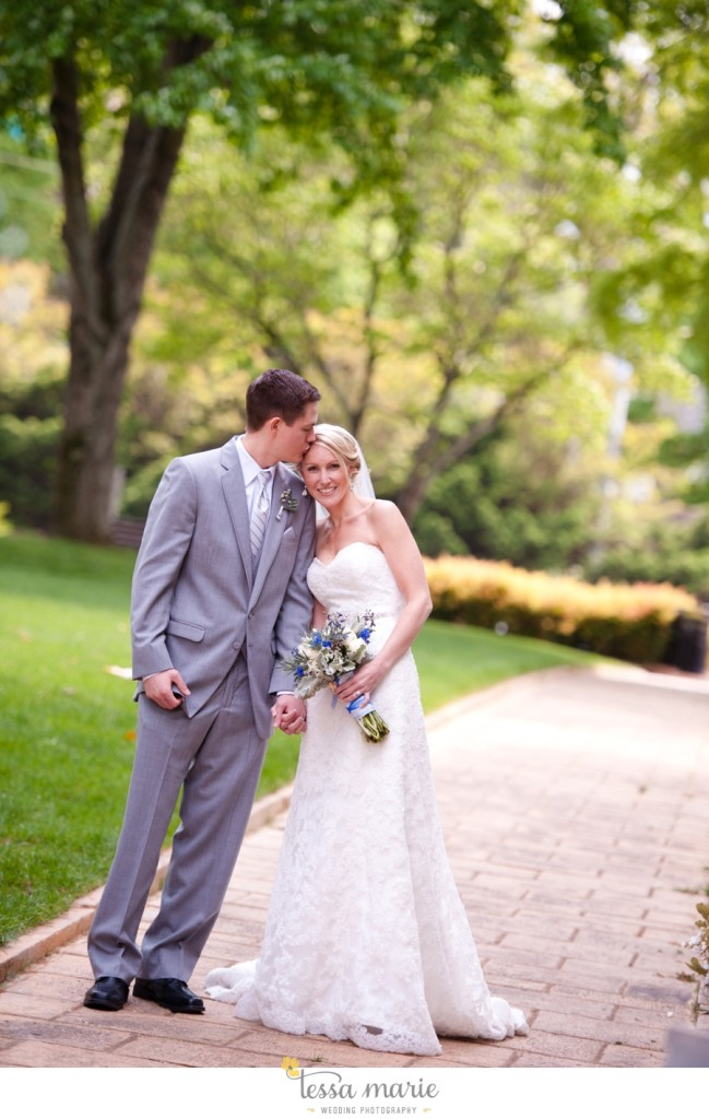 Ivy_hall_outdoor_wedding_creative_candid_emotional_wedding_pictures_tessa_marie_weddings_030
