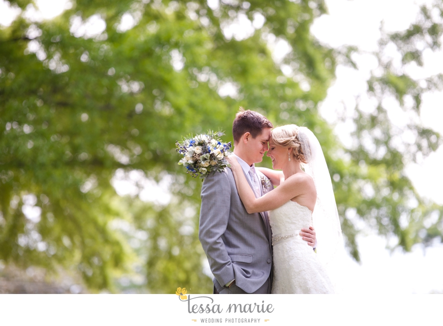 Ivy_hall_outdoor_wedding_creative_candid_emotional_wedding_pictures_tessa_marie_weddings_031
