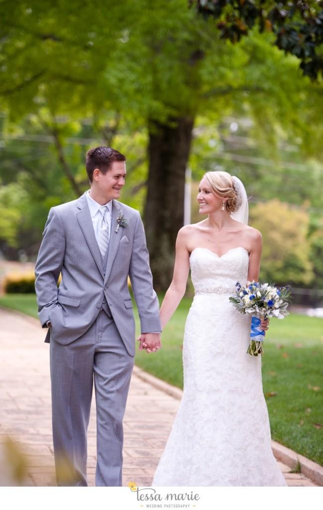 Ivy_hall_outdoor_wedding_creative_candid_emotional_wedding_pictures_tessa_marie_weddings_032