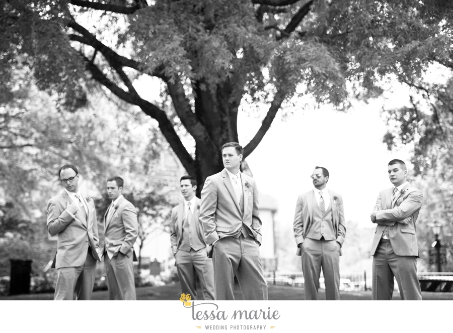 Ivy_hall_outdoor_wedding_creative_candid_emotional_wedding_pictures_tessa_marie_weddings_035