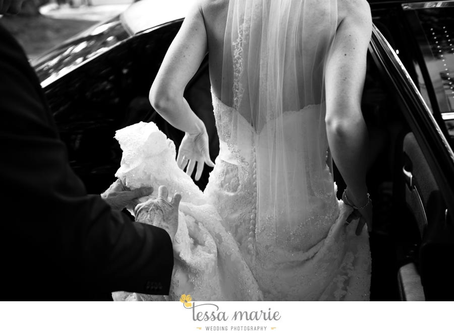 Ivy_hall_outdoor_wedding_creative_candid_emotional_wedding_pictures_tessa_marie_weddings_042