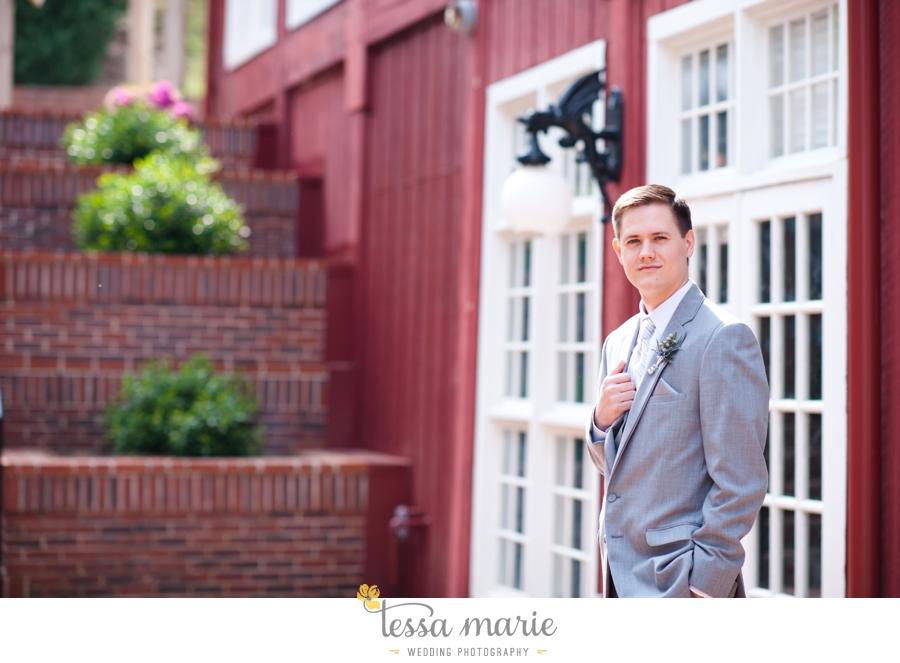 Ivy_hall_outdoor_wedding_creative_candid_emotional_wedding_pictures_tessa_marie_weddings_043