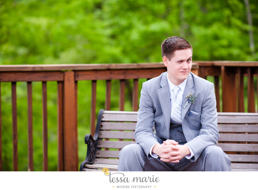 Ivy_hall_outdoor_wedding_creative_candid_emotional_wedding_pictures_tessa_marie_weddings_044