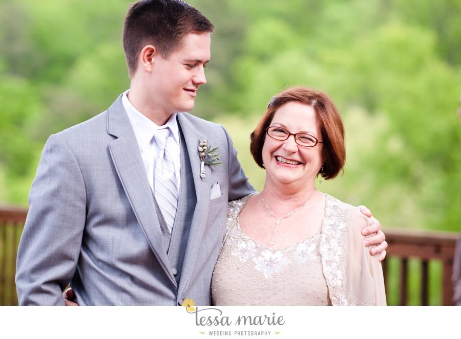 Ivy_hall_outdoor_wedding_creative_candid_emotional_wedding_pictures_tessa_marie_weddings_045