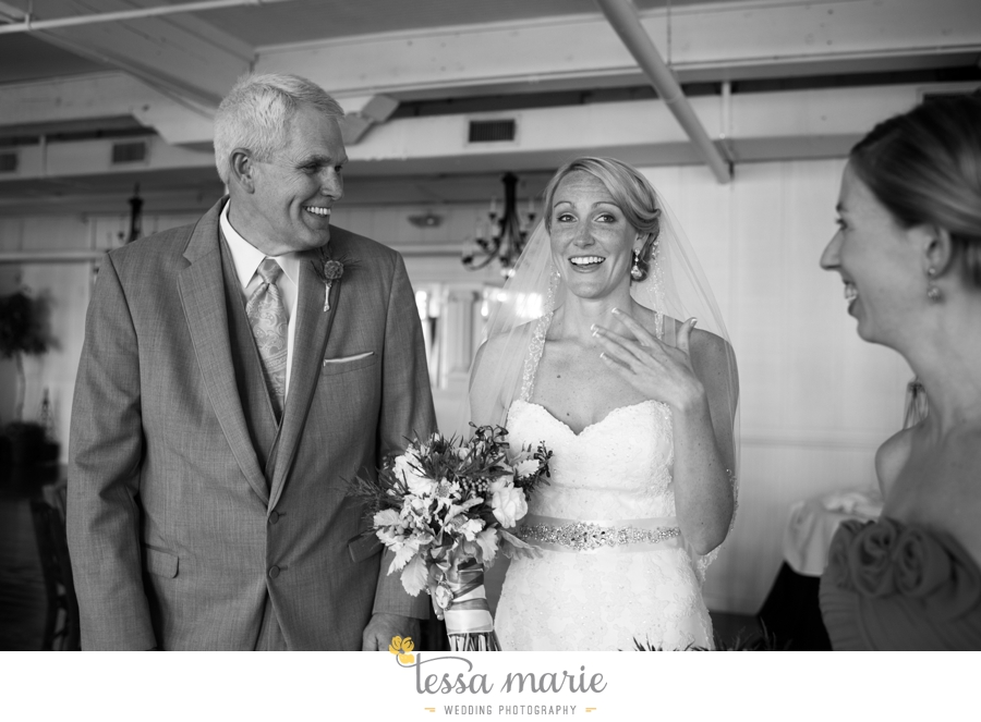 Ivy_hall_outdoor_wedding_creative_candid_emotional_wedding_pictures_tessa_marie_weddings_048