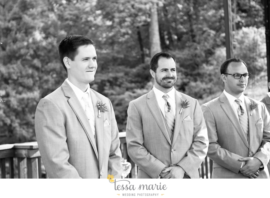 Ivy_hall_outdoor_wedding_creative_candid_emotional_wedding_pictures_tessa_marie_weddings_049