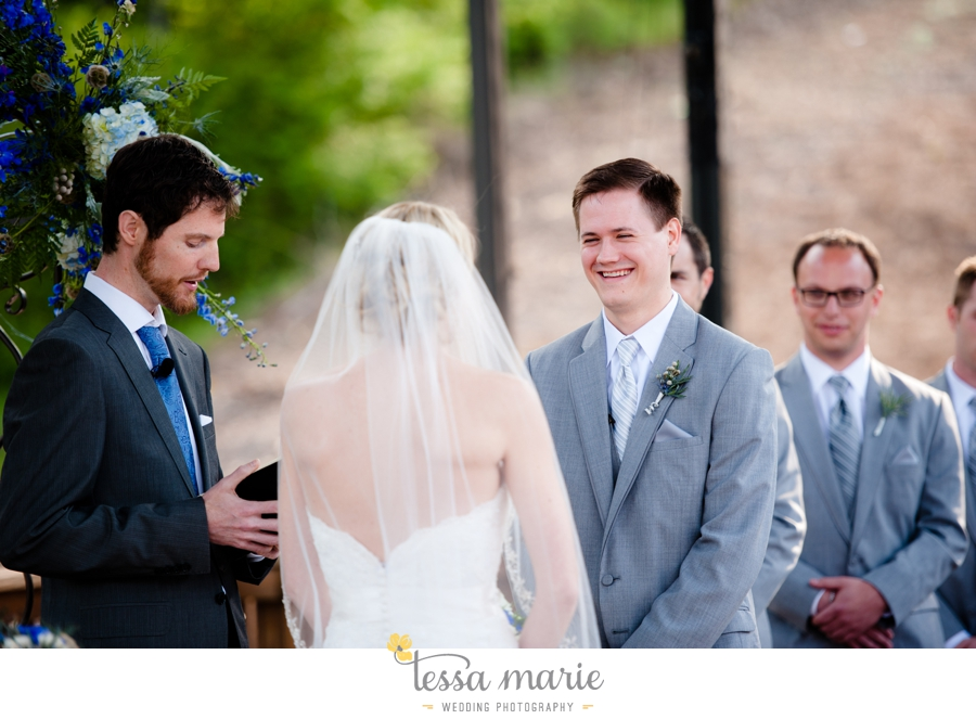 Ivy_hall_outdoor_wedding_creative_candid_emotional_wedding_pictures_tessa_marie_weddings_053