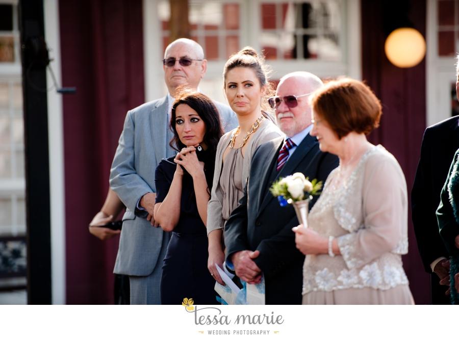Ivy_hall_outdoor_wedding_creative_candid_emotional_wedding_pictures_tessa_marie_weddings_055