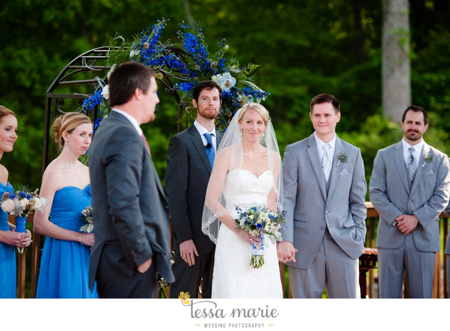 Ivy_hall_outdoor_wedding_creative_candid_emotional_wedding_pictures_tessa_marie_weddings_056