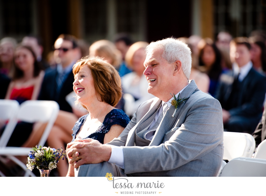 Ivy_hall_outdoor_wedding_creative_candid_emotional_wedding_pictures_tessa_marie_weddings_057