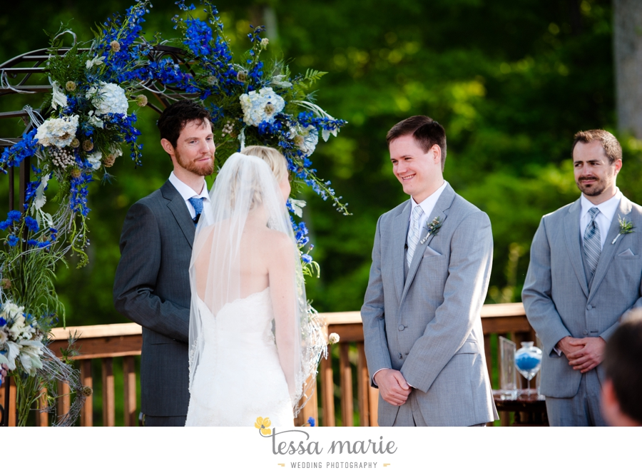 Ivy_hall_outdoor_wedding_creative_candid_emotional_wedding_pictures_tessa_marie_weddings_061